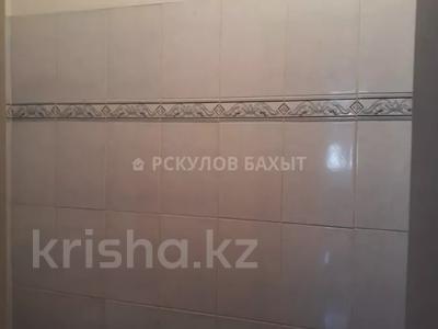 2-комнатная квартира, 54 м², 8/9 этаж, мкр Аксай-2 за ~ 16.1 млн 〒 в Алматы, Ауэзовский р-н — фото 3