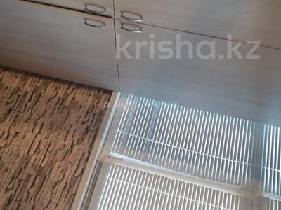 2-комнатная квартира, 57 м², 6/6 этаж, мкр Астана за 17.5 млн 〒 в Уральске, мкр Астана