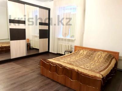2-комнатная квартира, 70 м², 1 этаж посуточно, улица Караменде би — улица Фрунзе за 6 000 〒 в Балхаше — фото 8