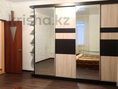 2-комнатная квартира, 70 м², 1 этаж посуточно, улица Караменде би — улица Фрунзе за 6 000 〒 в Балхаше — фото 9