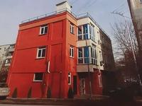Здание, площадью 675 м²