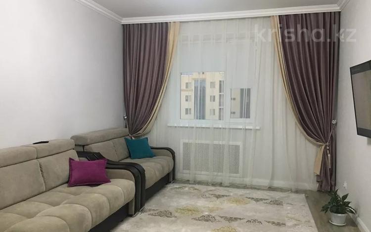 2-комнатная квартира, 78 м², 9/10 этаж, Туркестан 10 — Орынбор за 35 млн 〒 в Нур-Султане (Астана), Есиль р-н