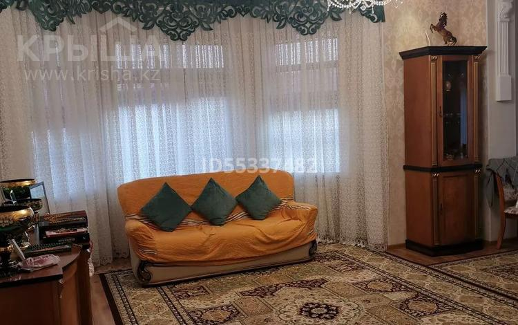5-комнатный дом помесячно, 276 м², 15-й мкр 61 за 800 000 〒 в Актау, 15-й мкр