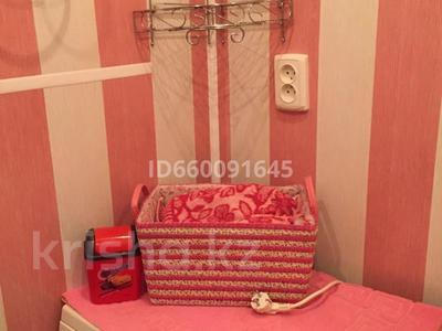 1-комнатная квартира, 40 м², 5/9 этаж помесячно, 4 мкр за 90 000 〒 в Аксае — фото 6