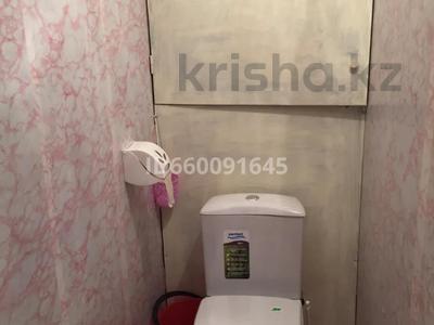 1-комнатная квартира, 40 м², 5/9 этаж помесячно, 4 мкр за 90 000 〒 в Аксае — фото 7