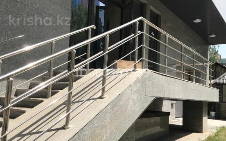 Помещение площадью 387.8 м², Абая 124 — Гагарина за 5 000 〒 в Алматы, Бостандыкский р-н