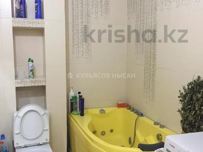 2-комнатная квартира, 69 м², 5/10 этаж, проспект Бауыржана Момышулы за 21 млн 〒 в Нур-Султане (Астана), Алматы р-н — фото 6