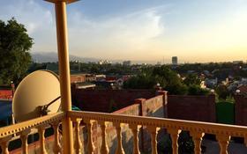 7-комнатный дом поквартально, 240 м², 8 сот., мкр Коктобе, 2-Космодемьянская за 681 600 〒 в Алматы, Медеуский р-н