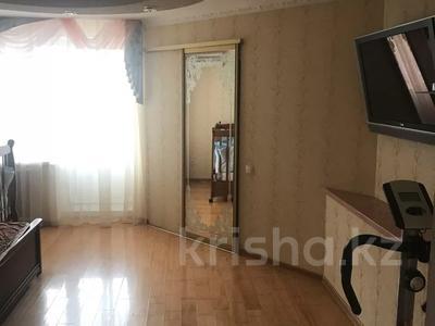 3-комнатная квартира, 155 м², 10/11 этаж, Алия молдагулова 11в за 35 млн 〒 в Актобе, мкр 5 — фото 2