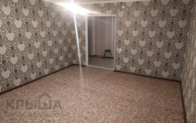 2-комнатная квартира, 70 м², 4/9 этаж, мкр Болашак за 14 млн 〒 в Актобе, мкр Болашак