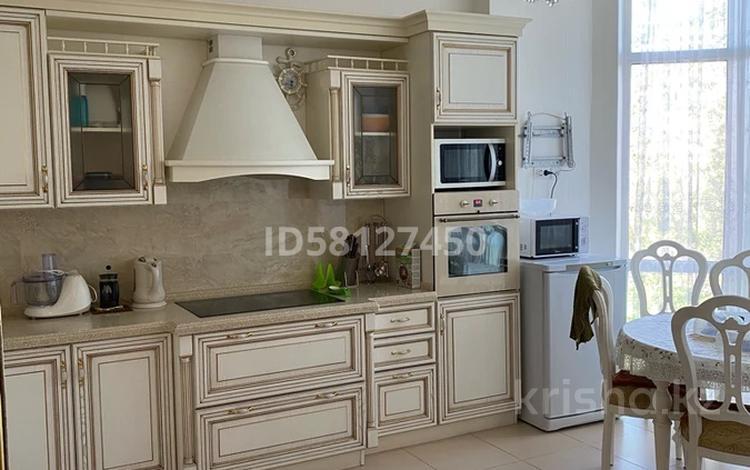 4-комнатная квартира, 133.5 м², 5/8 этаж, Дукенулы 4 за 53 млн 〒 в Нур-Султане (Астана), Сарыарка р-н