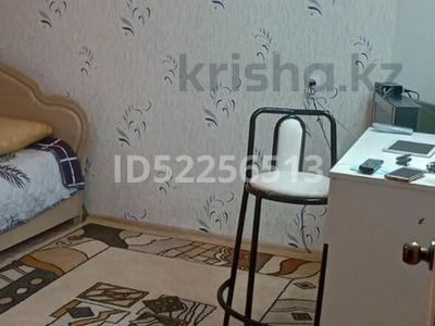 1-комнатная квартира, 30 м², 1/5 этаж посуточно, мкр 8, Бр.Жубанова 283 за 5 000 〒 в Актобе, мкр 8