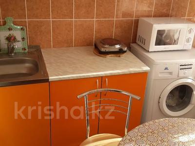 2-комнатная квартира, 50 м², 5/5 этаж посуточно, Агыбай батыра 17 за 6 000 〒 в Балхаше — фото 5