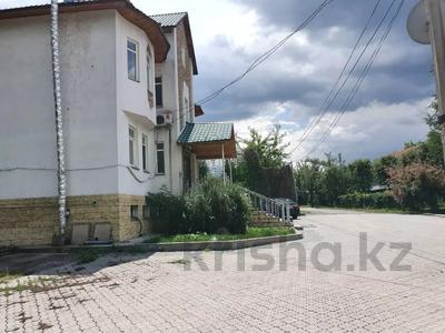 7-комнатный дом, 380 м², 14 сот., мкр Кайрат, Рыскулова 7 за 80 млн 〒 в Алматы, Турксибский р-н — фото 50