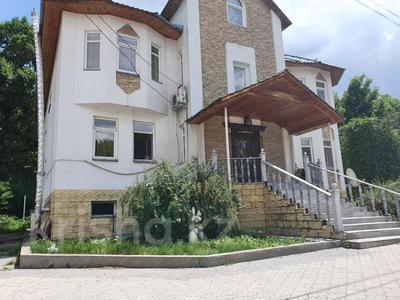7-комнатный дом, 380 м², 14 сот., мкр Кайрат, Рыскулова 7 за 80 млн 〒 в Алматы, Турксибский р-н — фото 6