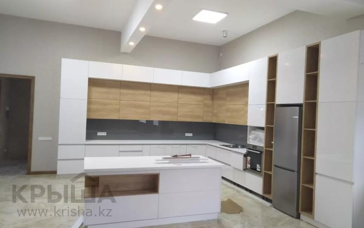 9-комнатный дом, 865 м², 25 сот., Мкр.Мирас 204 за 850 млн 〒 в Алматы, Бостандыкский р-н