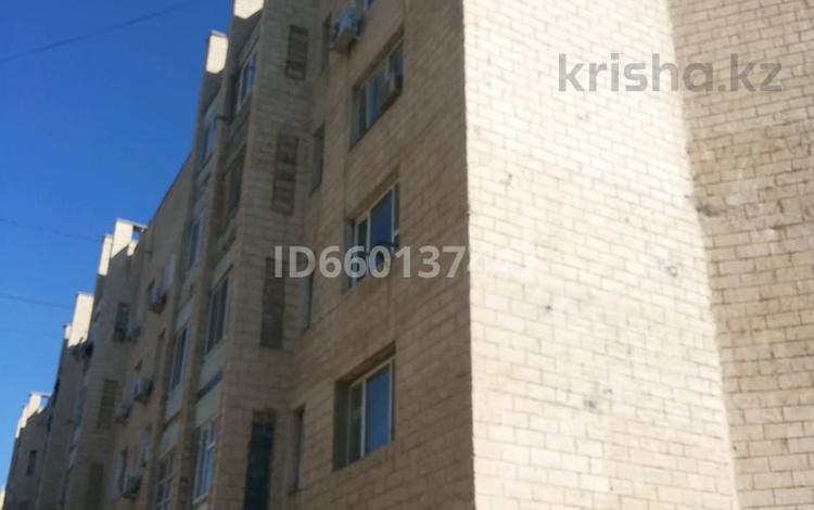 1-комнатная квартира, 38 м², 4/5 этаж, 22-й мкр, Мкр 22 3 за 6.5 млн 〒 в Актау, 22-й мкр