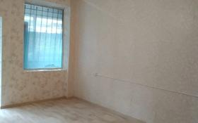 2-комнатный дом помесячно, 60 м², мкр Акбулак, Мкр Акбулак 24 за 80 000 〒 в Алматы, Алатауский р-н