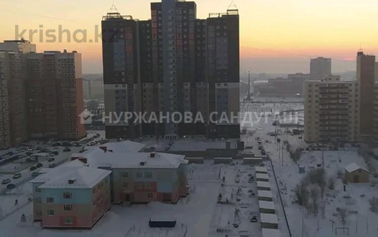 3-комнатная квартира, 80 м², 18/22 этаж, мкр Юго-Восток, Шахтеров 52в за 27.5 млн 〒 в Караганде, Казыбек би р-н