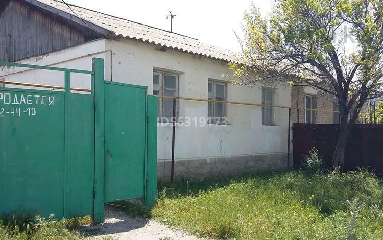 5-комнатный дом, 120 м², 6 сот., 4 пер.Мелиораторов 3 за 6 млн 〒 в Таразе