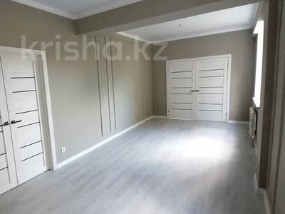 2-комнатная квартира, 81 м², 2/4 этаж, 5 мкр 13б за 25.5 млн 〒 в Талдыкоргане