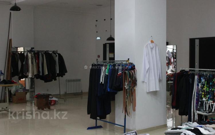 Магазин площадью 200 м², Байтурсынова — Карасай Батыра за 500 000 〒 в Алматы, Алмалинский р-н