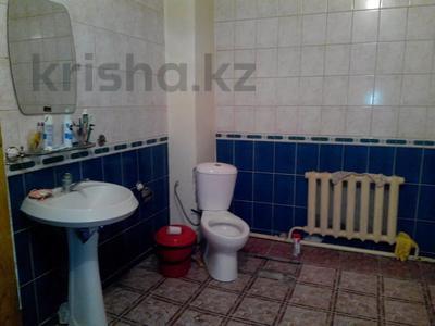 5-комнатный дом, 217 м², 9 сот., Амандосова 7 за ~ 22.3 млн 〒 в Атырау — фото 7