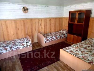 1-комнатный дом посуточно, 28 м², Обозная (Кулагер) за 3 500 〒 в Бурабае — фото 3