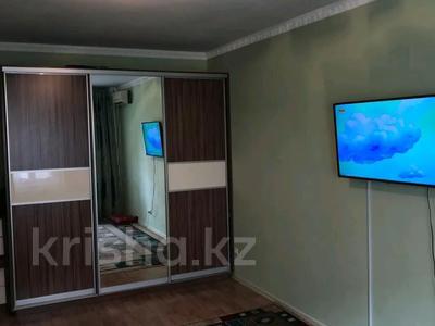 1-комнатная квартира, 52 м², 1/9 этаж, мкр. Алмагуль за 10.5 млн 〒 в Атырау, мкр. Алмагуль — фото 5