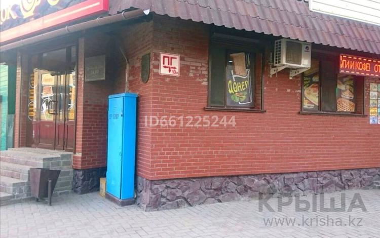 Магазин площадью 42 м², Абая 105 — Уранхаева за 45 млн 〒 в Семее