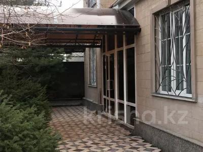 8-комнатный дом, 300 м², 10 сот., Академ городок за 75 млн 〒 в Шымкенте, Каратауский р-н