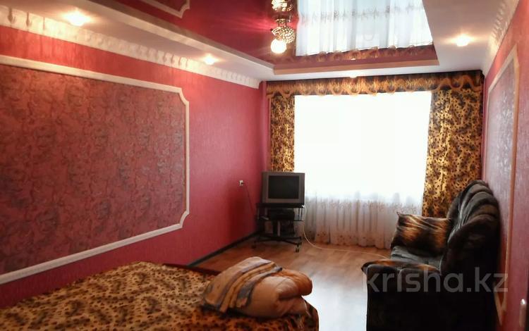 2-комнатная квартира, 50 м², 1/5 этаж посуточно, улица Ескалиева 186 за 10 000 〒 в Уральске