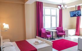 1-комнатная квартира, 42 м² посуточно, Кабанбай батыра 11 за 6 000 〒 в Нур-Султане (Астана), Есиль р-н