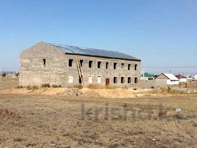 Здание, площадью 600 м², Компоселок, ул. Сайлы 15 за ~ 21.4 млн 〒 в Семее