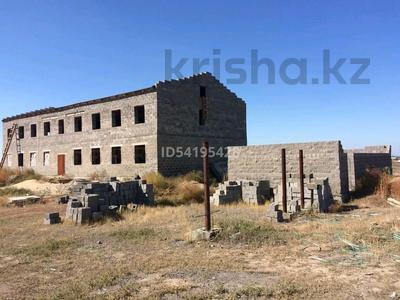 Здание, площадью 600 м², Компоселок, ул. Сайлы 15 за ~ 21.4 млн 〒 в Семее — фото 3