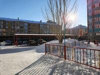 3-комнатная квартира, 119 м², 6/7 этаж помесячно, улица Алии Молдагуловой 50а за 180 000 〒 в Актобе