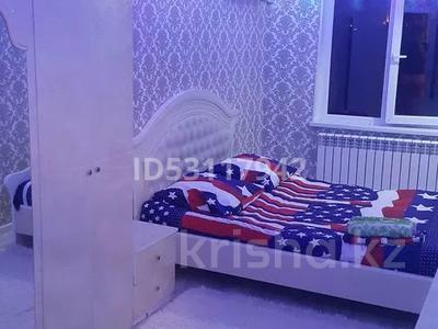 3-комнатная квартира, 60 м², 4/5 этаж посуточно, улица Джангильдина 7 — Пл.Аль-фараби-Джангельдина за 18 000 〒 в Шымкенте, Аль-Фарабийский р-н