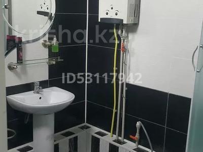 3-комнатная квартира, 60 м², 4/5 этаж посуточно, улица Джангильдина 7 — Пл.Аль-фараби-Джангельдина за 18 000 〒 в Шымкенте, Аль-Фарабийский р-н — фото 13