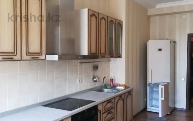 2-комнатная квартира, 80 м², 14/18 этаж помесячно, Брусиловского 163 за 180 000 〒 в Алматы, Алмалинский р-н