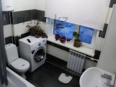 2-комнатная квартира, 47 м², 4/5 этаж посуточно, Можайского — Комиссарова, гост.Караганда за 12 000 〒 — фото 6