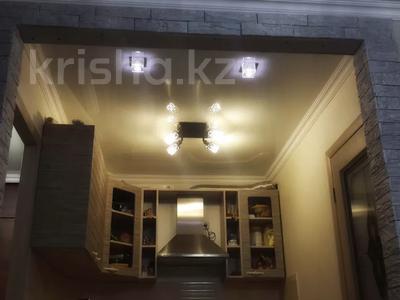 2-комнатная квартира, 47 м², 4/5 этаж посуточно, Можайского — Комиссарова, гост.Караганда за 12 000 〒 — фото 10