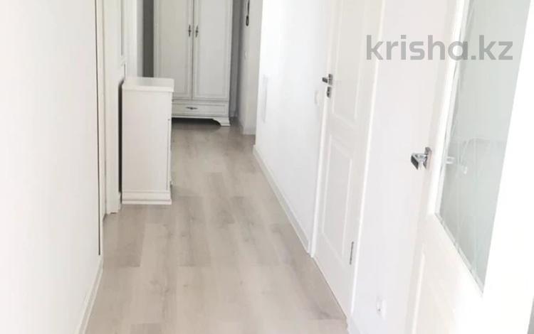 2-комнатная квартира, 59 м², 8/12 этаж, мкр Шугыла, Абишева за 27 млн 〒 в Алматы, Наурызбайский р-н