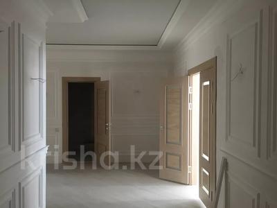3-комнатная квартира, 187 м², 6/10 этаж, ЖК Атамекен — ул Еримбетова 17-мкр за 65 млн 〒 в Шымкенте, Енбекшинский р-н