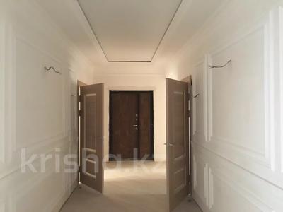 3-комнатная квартира, 187 м², 6/10 этаж, ЖК Атамекен — ул Еримбетова 17-мкр за 65 млн 〒 в Шымкенте, Енбекшинский р-н — фото 8
