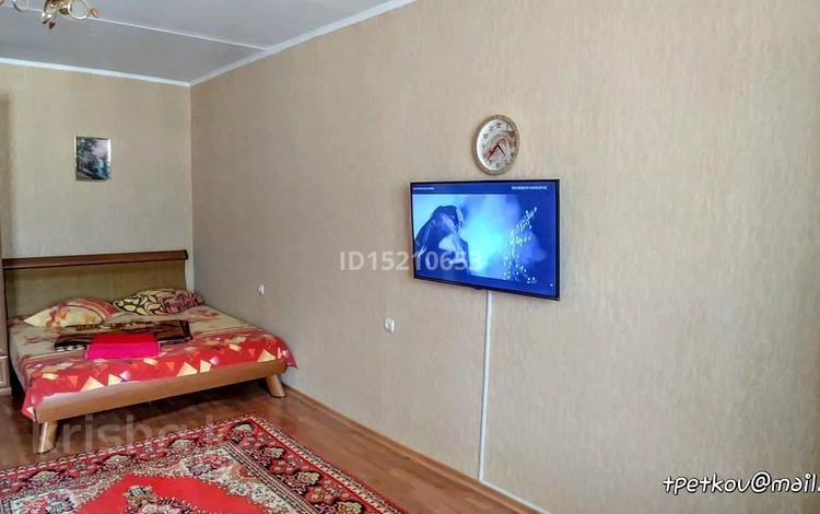 1-комнатная квартира, 40 м², 4/5 этаж посуточно, Мкр. 3Б 5А за 6 000 〒 в Актау