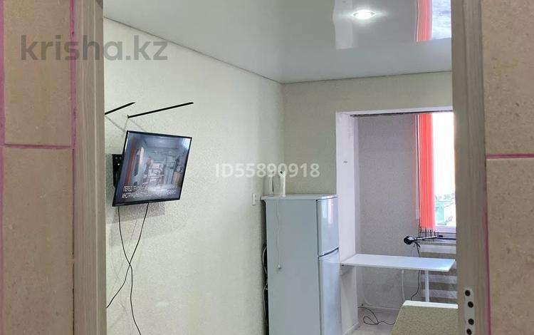 1-комнатная квартира, 19 м², 1/6 этаж посуточно, Құрманғалиев 3 — Гребнева за 4 000 〒 в Уральске