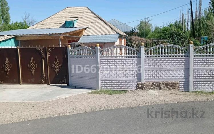 4-комнатный дом, 100 м², 6 сот., проспект Абая 500 за 17 млн 〒 в Таразе