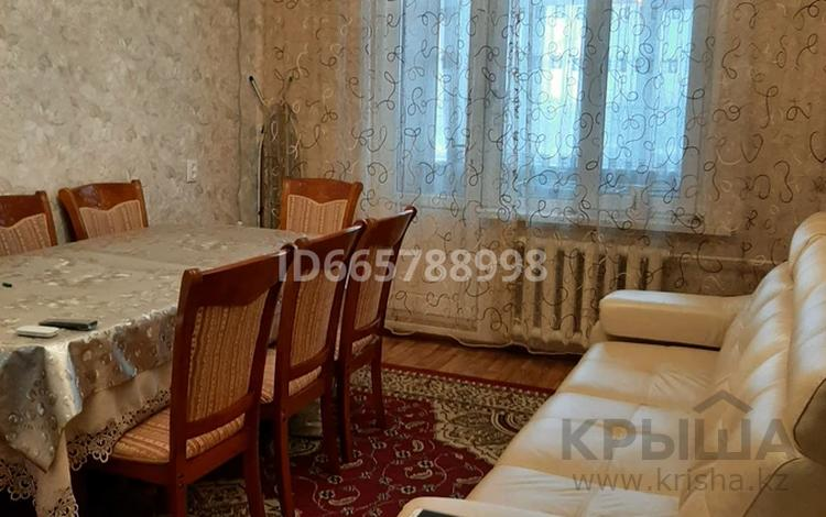 3-комнатная квартира, 65 м², 2/5 этаж, улица Жандосова — Жандосова-Кунаева за 30 млн 〒 в Шымкенте, Аль-Фарабийский р-н