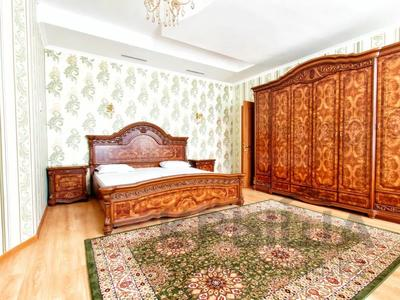 1-комнатная квартира, 50 м², 15 этаж посуточно, проспект Туран 55/1 за 9 000 〒 в Нур-Султане (Астана), Есиль р-н