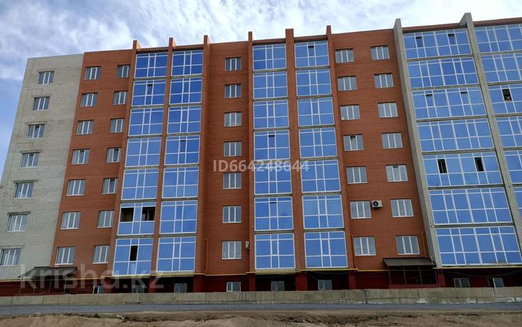 2-комнатная квартира, 70.3 м², 1/7 этаж, Батыс-2 за 14.3 млн 〒 в Актобе, мкр. Батыс-2